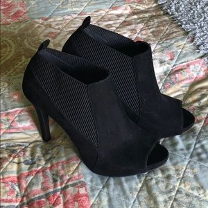 Simply Vera Vera Wang Heeled Booties